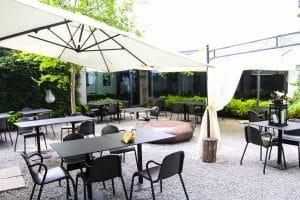 galli & gufi- cortile ristorante